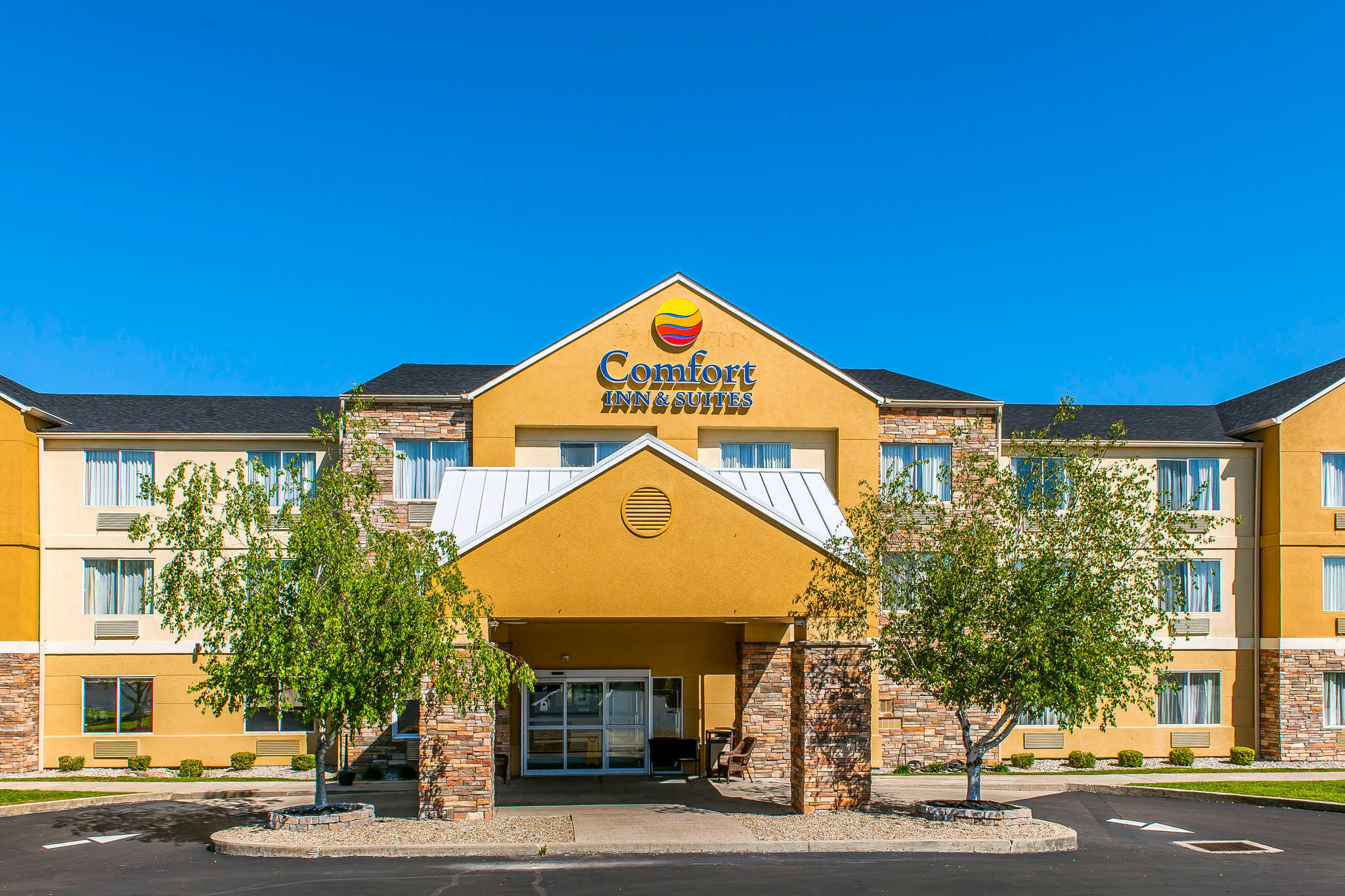 Comfort inn suites coupons mount sterling ky near me for Hotels 8 near me