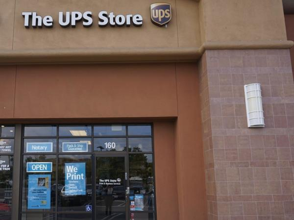 The Ups Store Sierra Lakes Village Shipping Packing Printing And