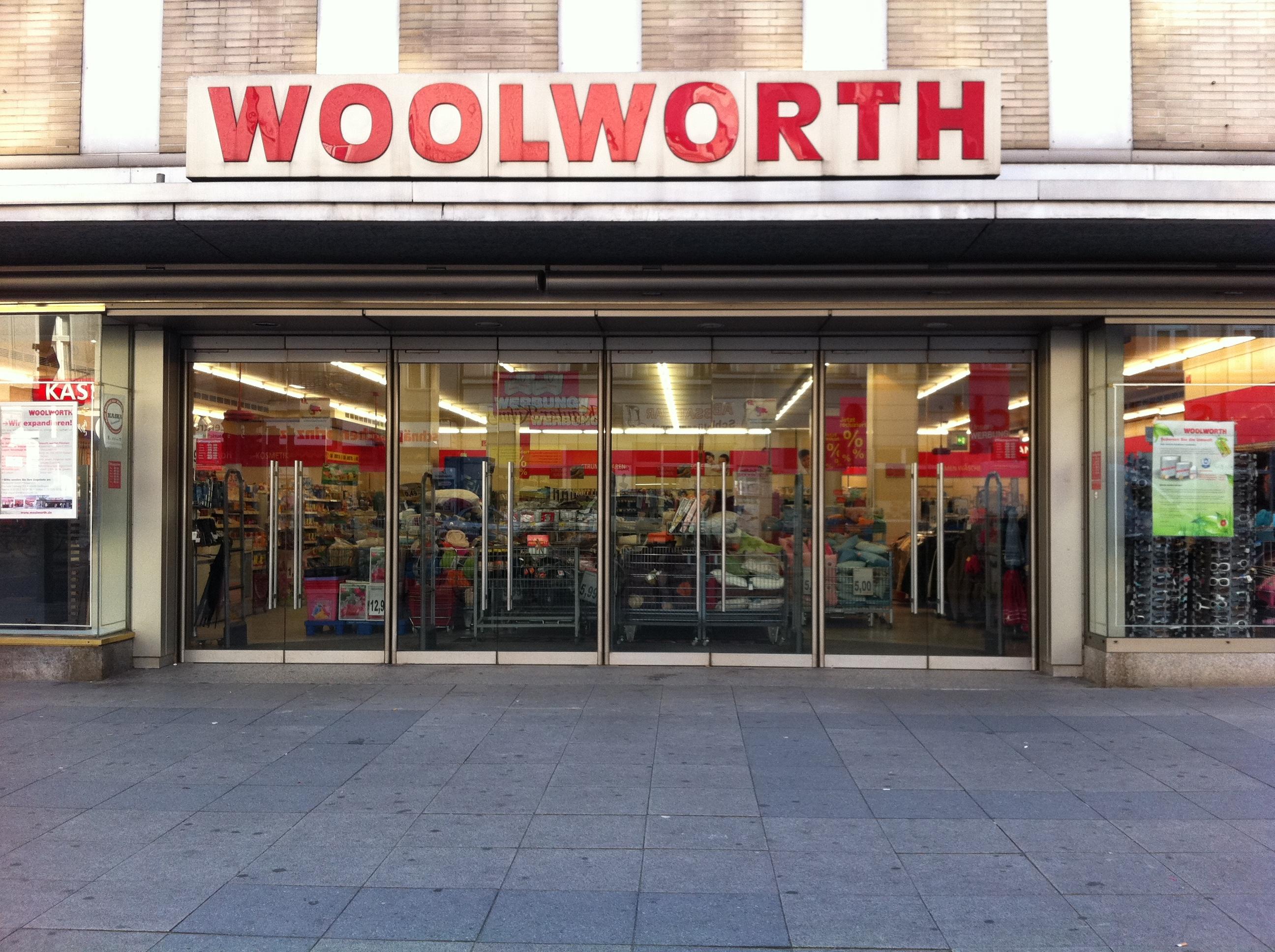 woolworth - 1 foto - berlin neukölln - karl-marx-straße
