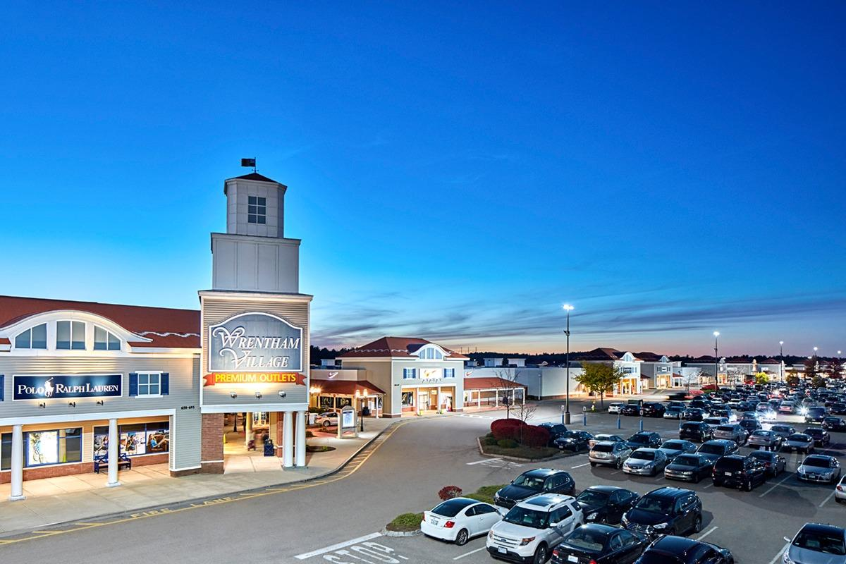 Wrentham village premium outlets coupons near me in for Michaels crafts locations ma