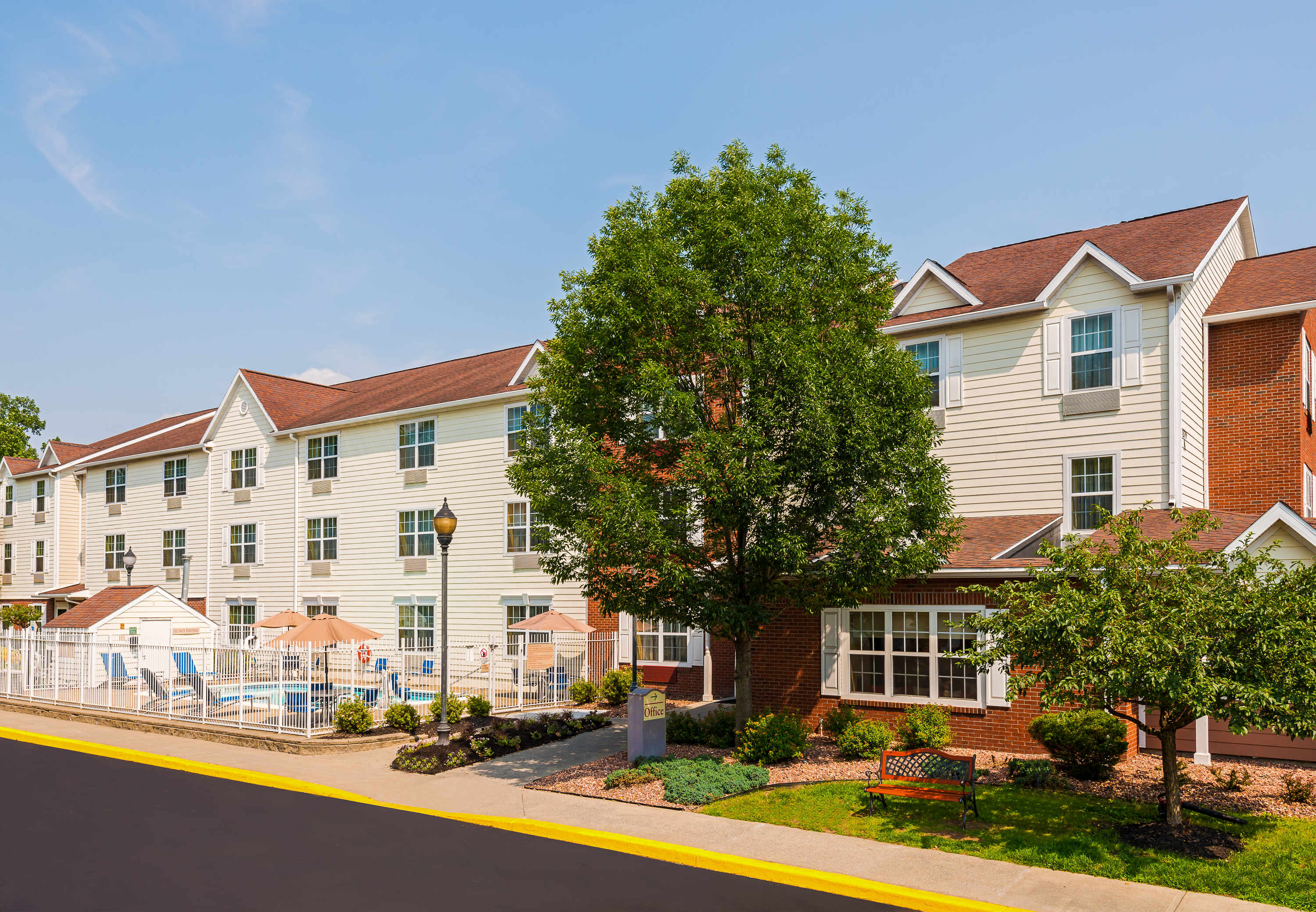 Towneplace suites by marriott albany university area for Design hotel upstate new york