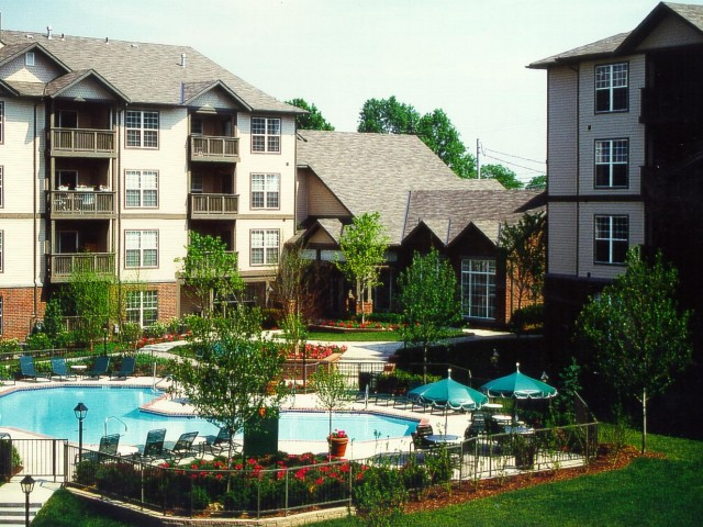 Liberty pointe apartment homes on highland bethel park for Liberty home builders