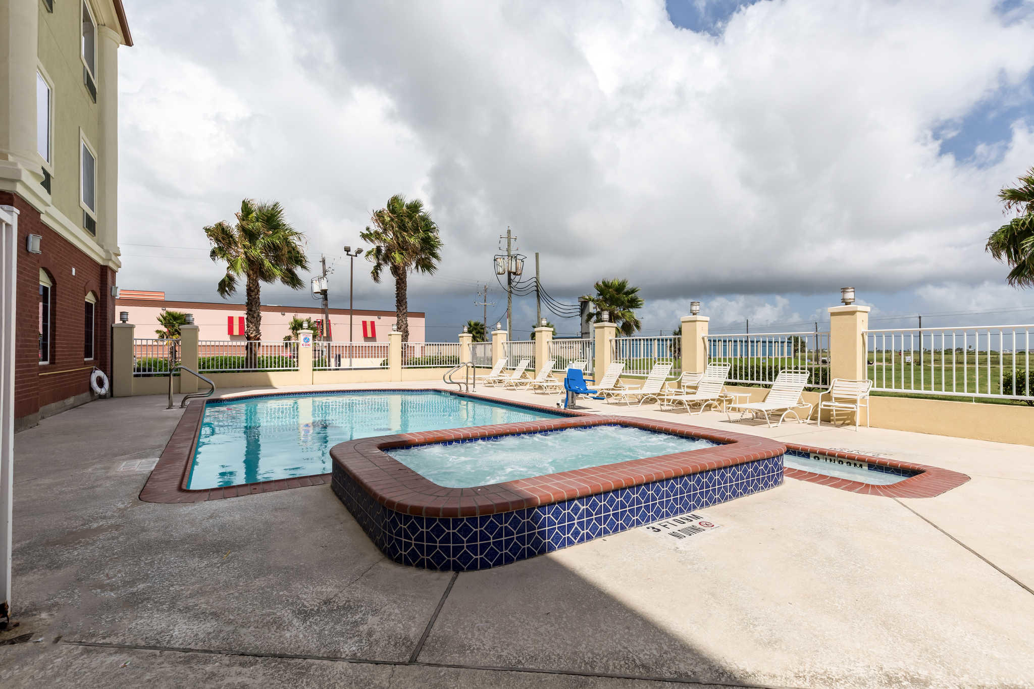 Comfort Suites Coupons Near Me In Galveston 8coupons
