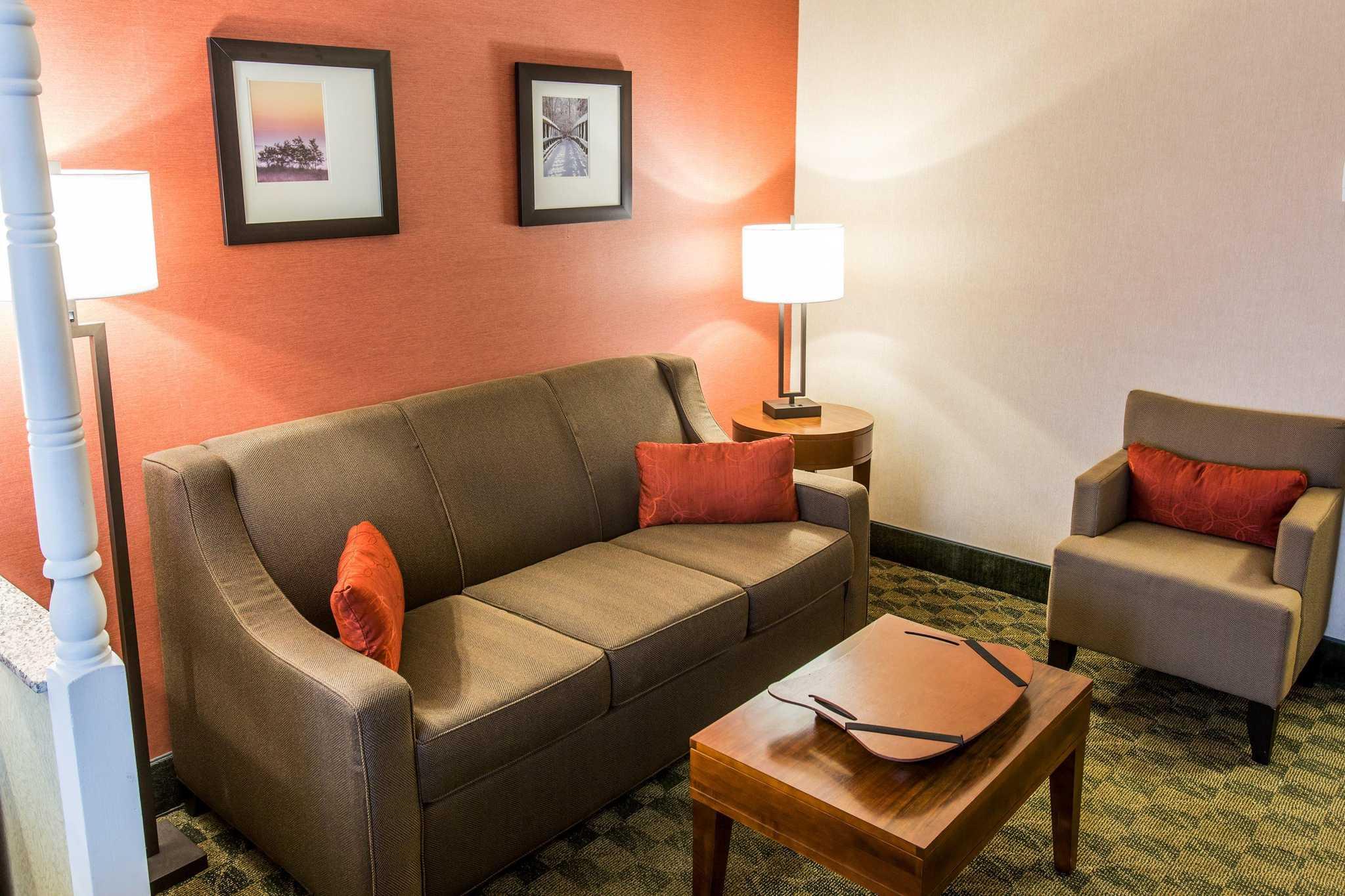 Comfort Inn & Suites, Jackson Michigan (MI ...