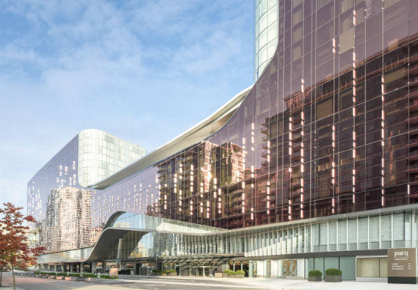 Luxury Hotel in BC Vancouver V6B 0R3 JW Marriott Parq Vancouver 39 Smithe Street  (604)676-0888