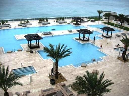 Beach Club Hallandale - ad image