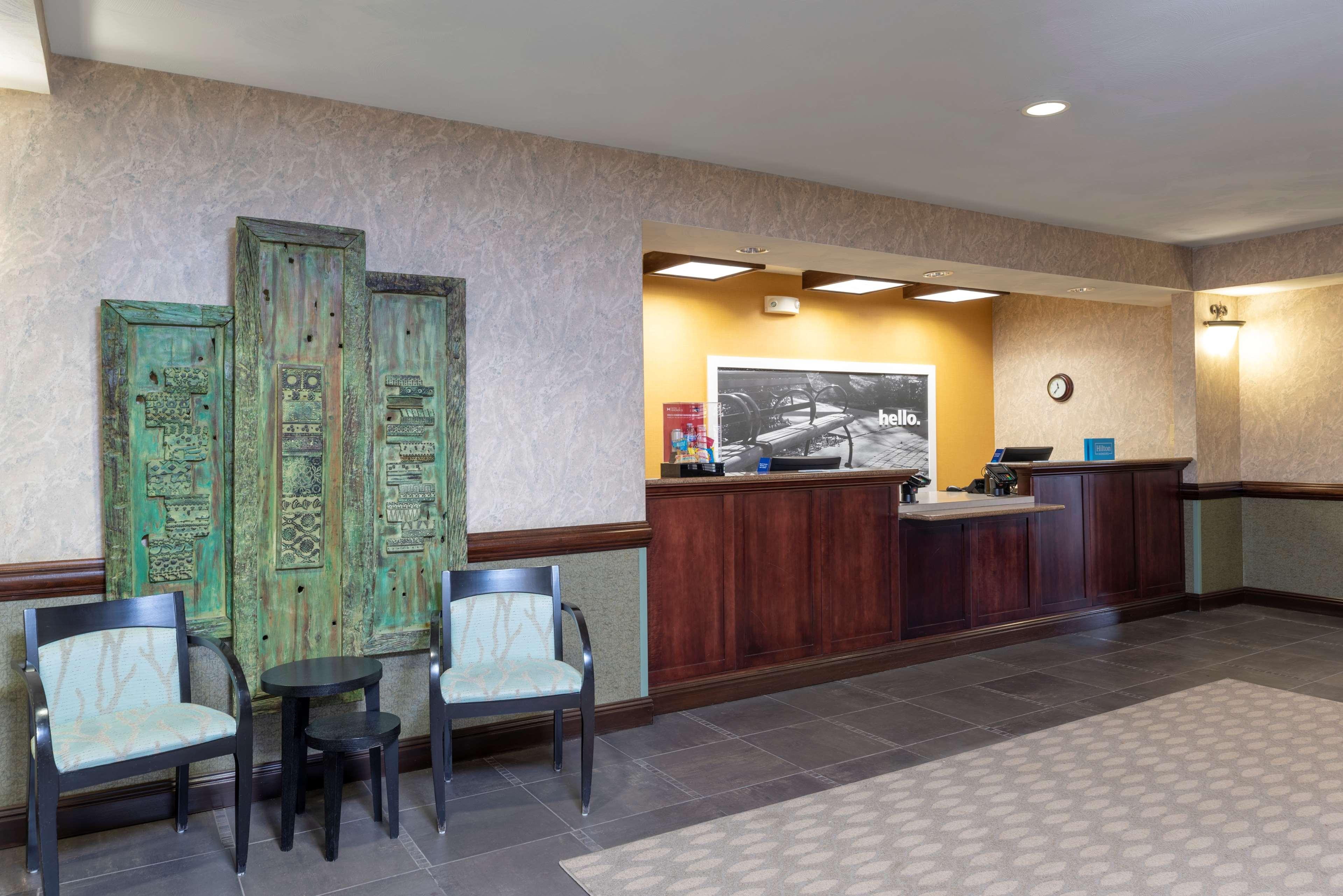 hampton inn suites valparaiso valparaiso indiana in. Black Bedroom Furniture Sets. Home Design Ideas