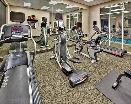 Holiday Inn Hotel & Suites West Des Moines-Jordan Creek - ad image
