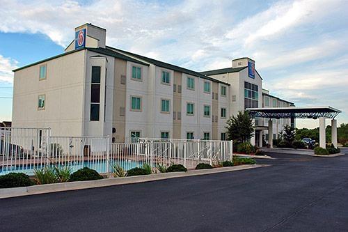 Motel 6 El Reno image 4