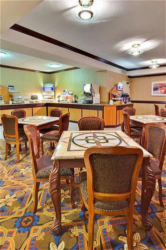Fort Atkinson (WI) United States  City pictures : ... Inn Express & Suites Fort Atkinson in Fort Atkinson, WI | Whitepages