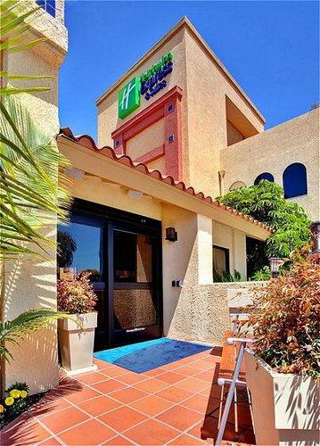 holiday inn express suites costa mesa in costa mesa ca. Black Bedroom Furniture Sets. Home Design Ideas