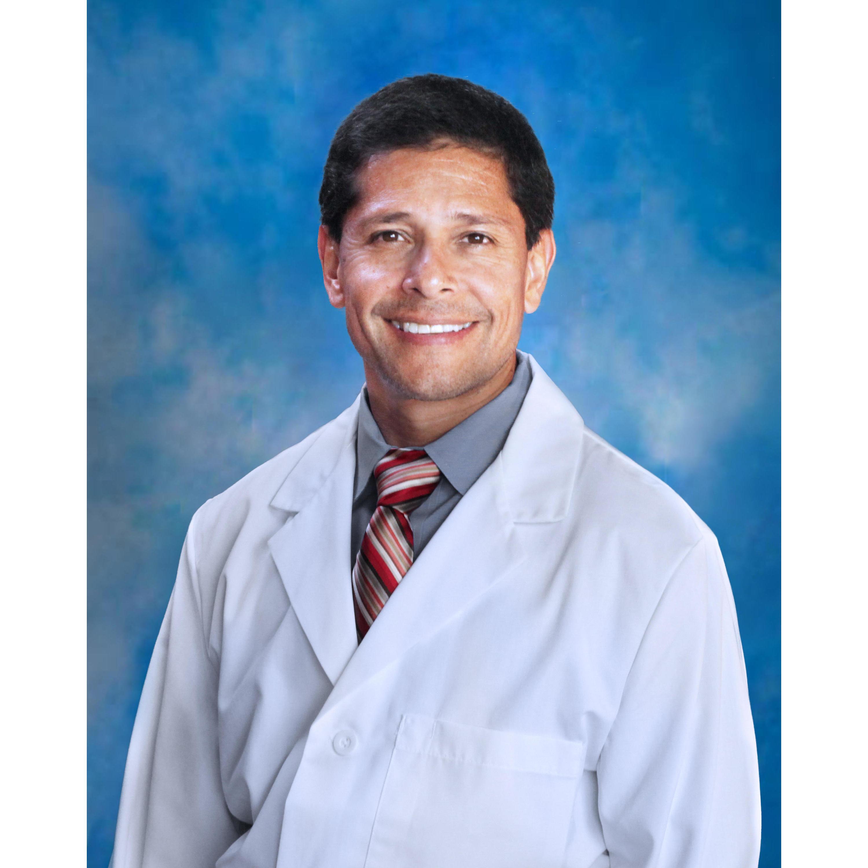 Gabriel A Hernandez MD
