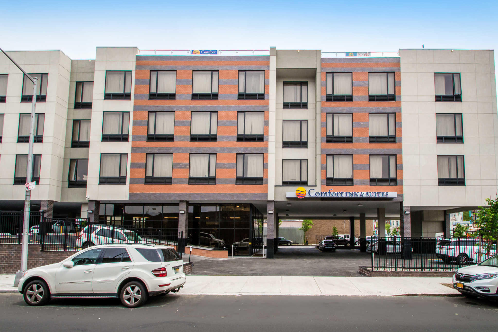 Comfort Inn  U0026 Suites Near Stadium  Bronx New York  Ny
