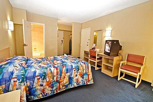 Motel 6 Washington DC image 6