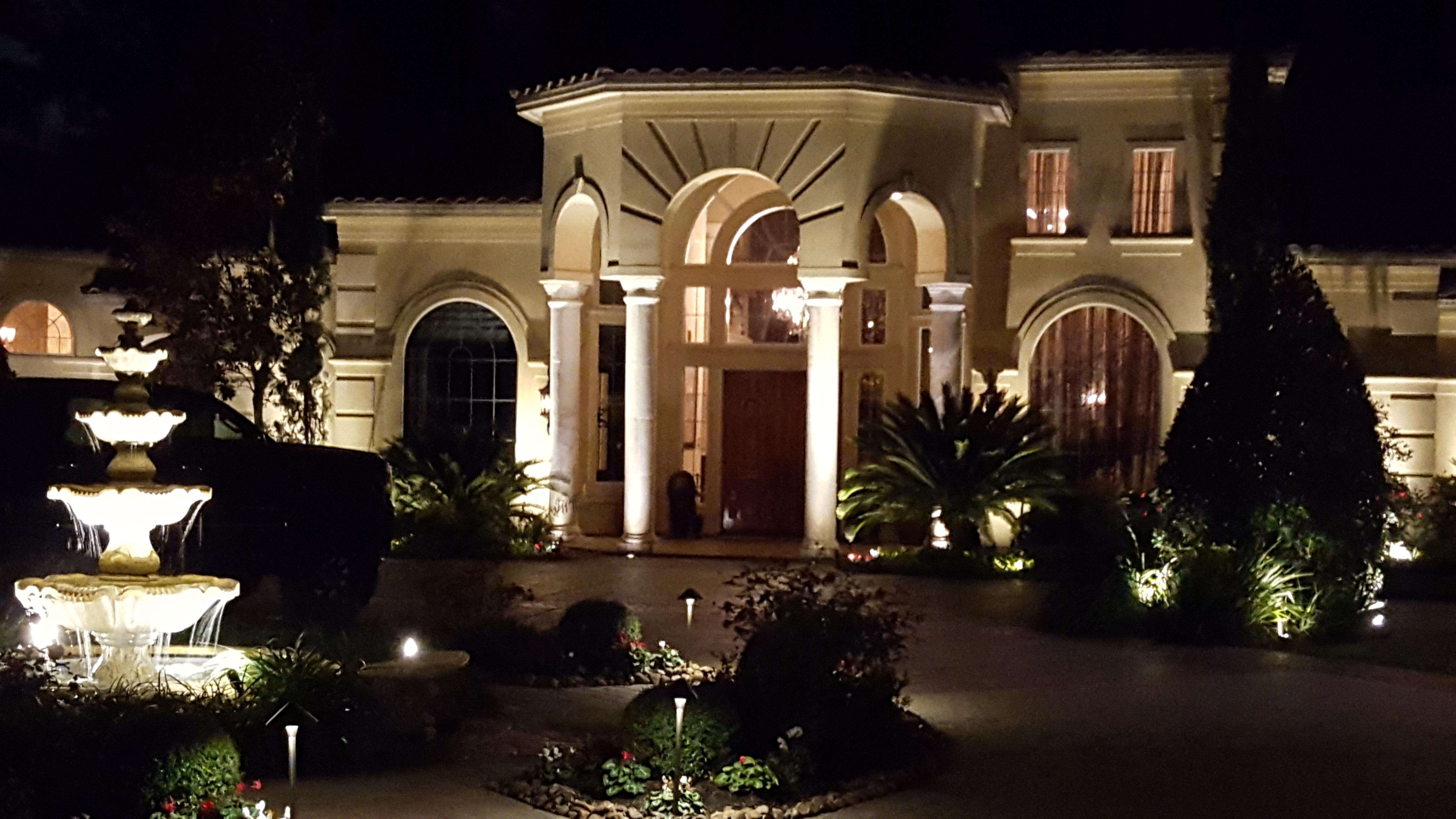 Houston luxury lighting spring texas tx for Luxury landscape lighting