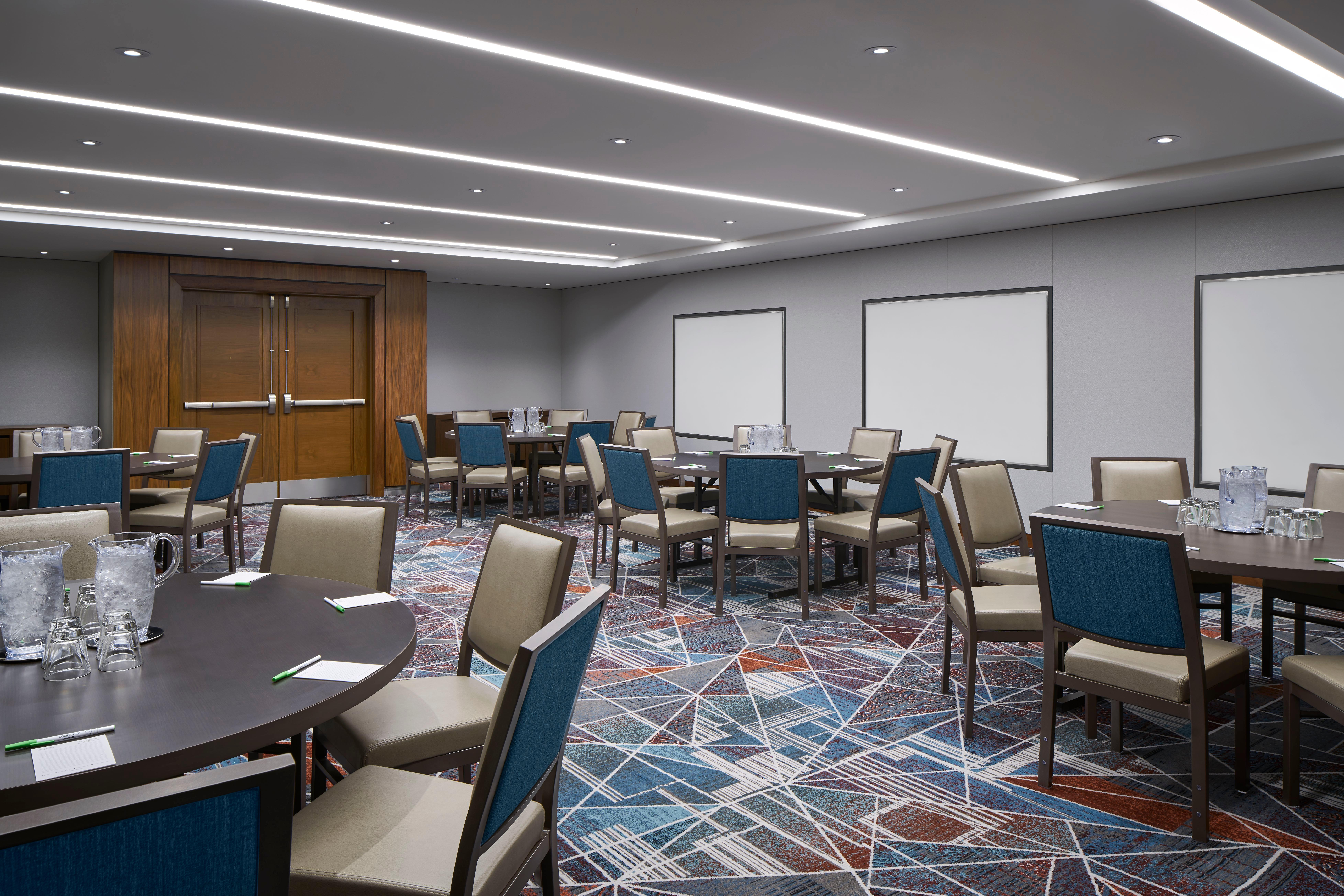 Courtyard By Marriott Washington Downtown Convention