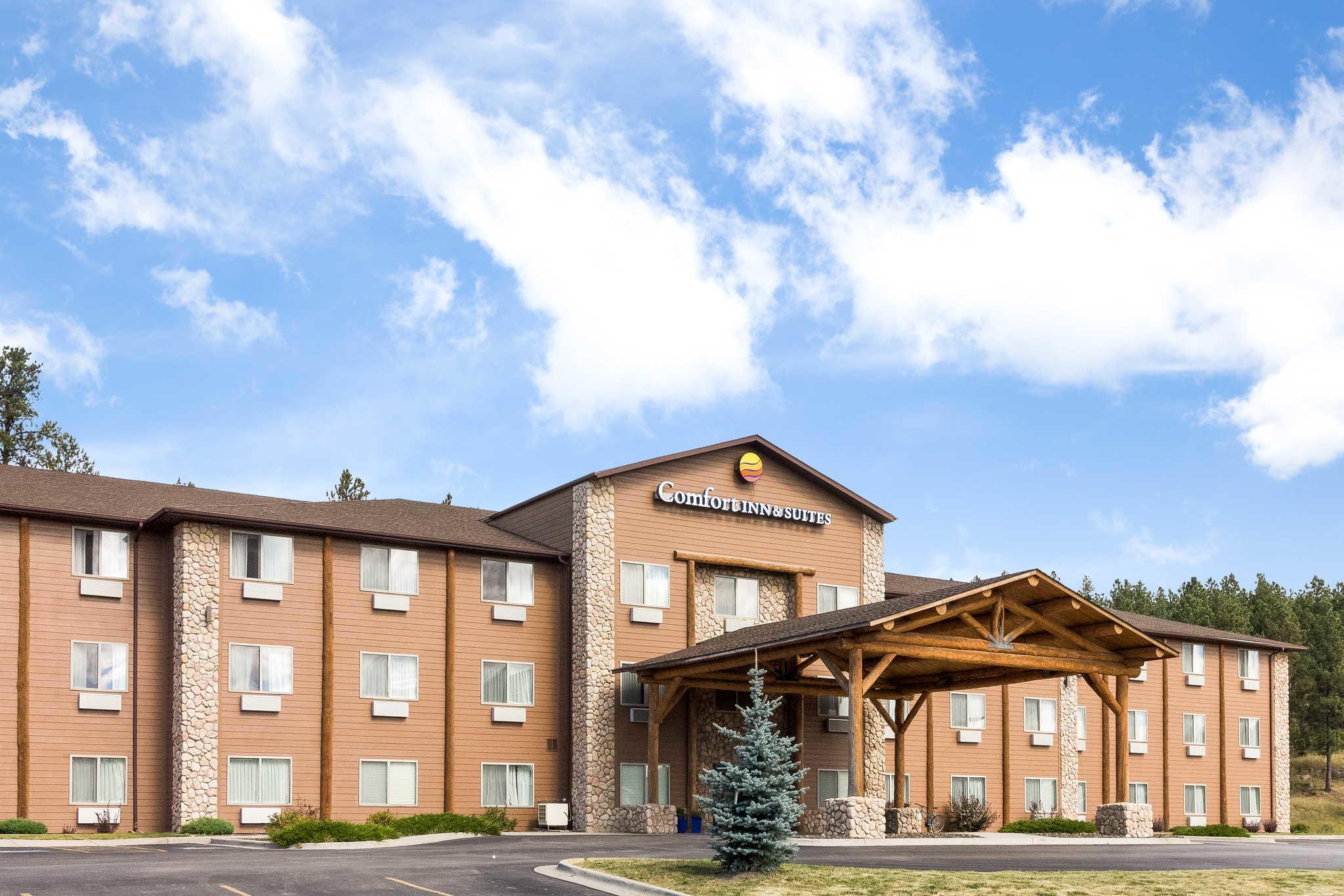 Comfort Inn & Suites - Custer, SD 57730 - (480)725-1632 | ShowMeLocal.com