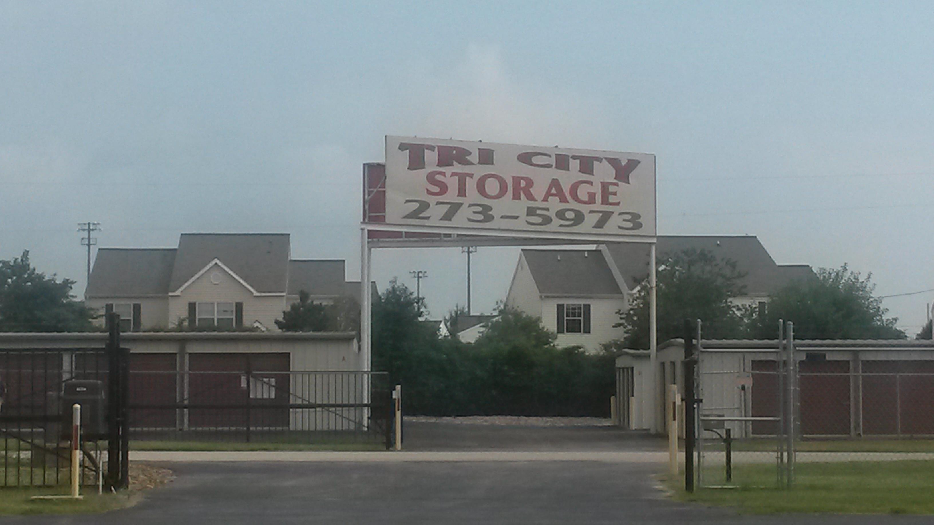 tri city self storage in bentonville ar 72712. Black Bedroom Furniture Sets. Home Design Ideas