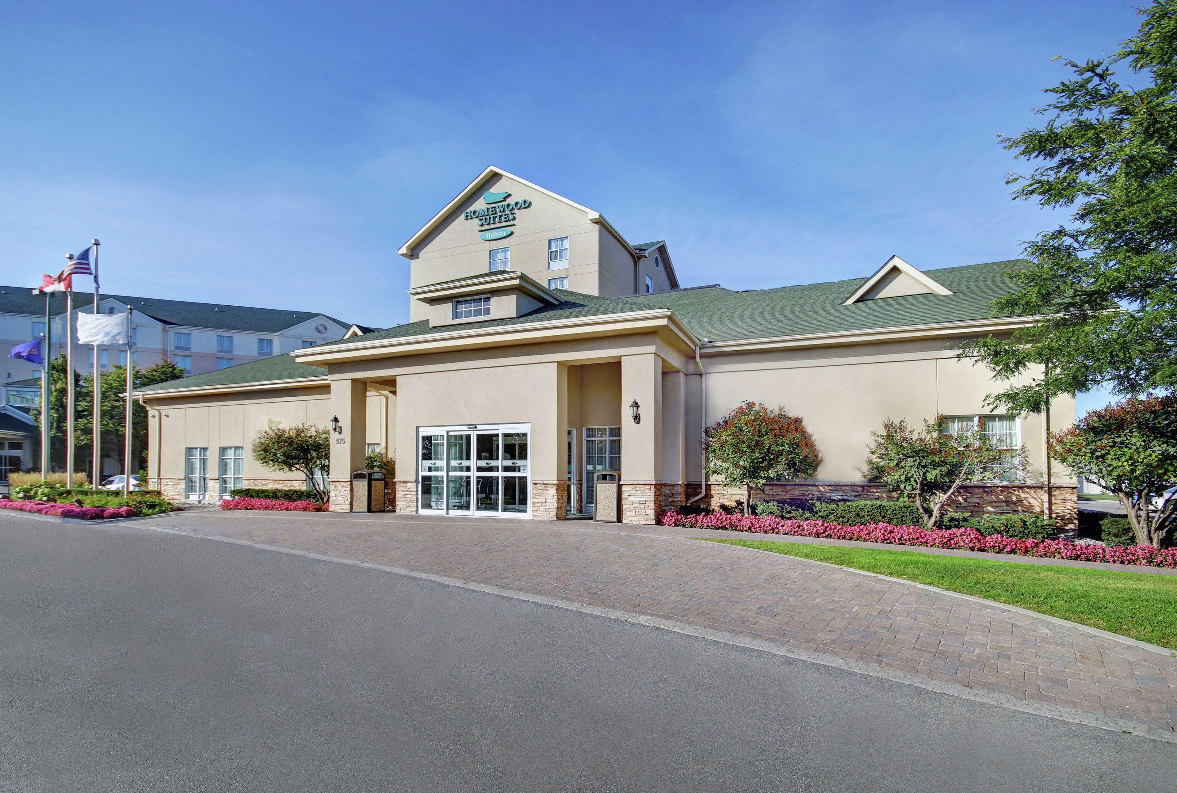 Homewood Suites by Hilton Burlington in Burlington: Exterior