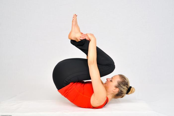 pilates bung rolling like a ball  keep in motion PILATES STUDIO | München