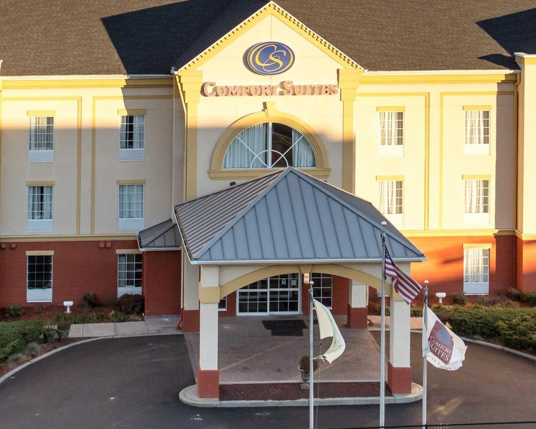 Comfort Suites Newark New Jersey Nj Localdatabase Com