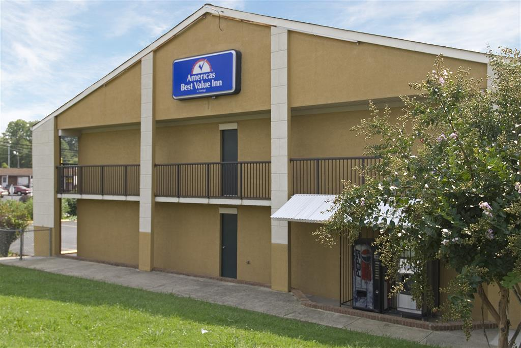 Americas best value inn concord in concord nc 28025 for Hotels near charlotte motor speedway concord nc