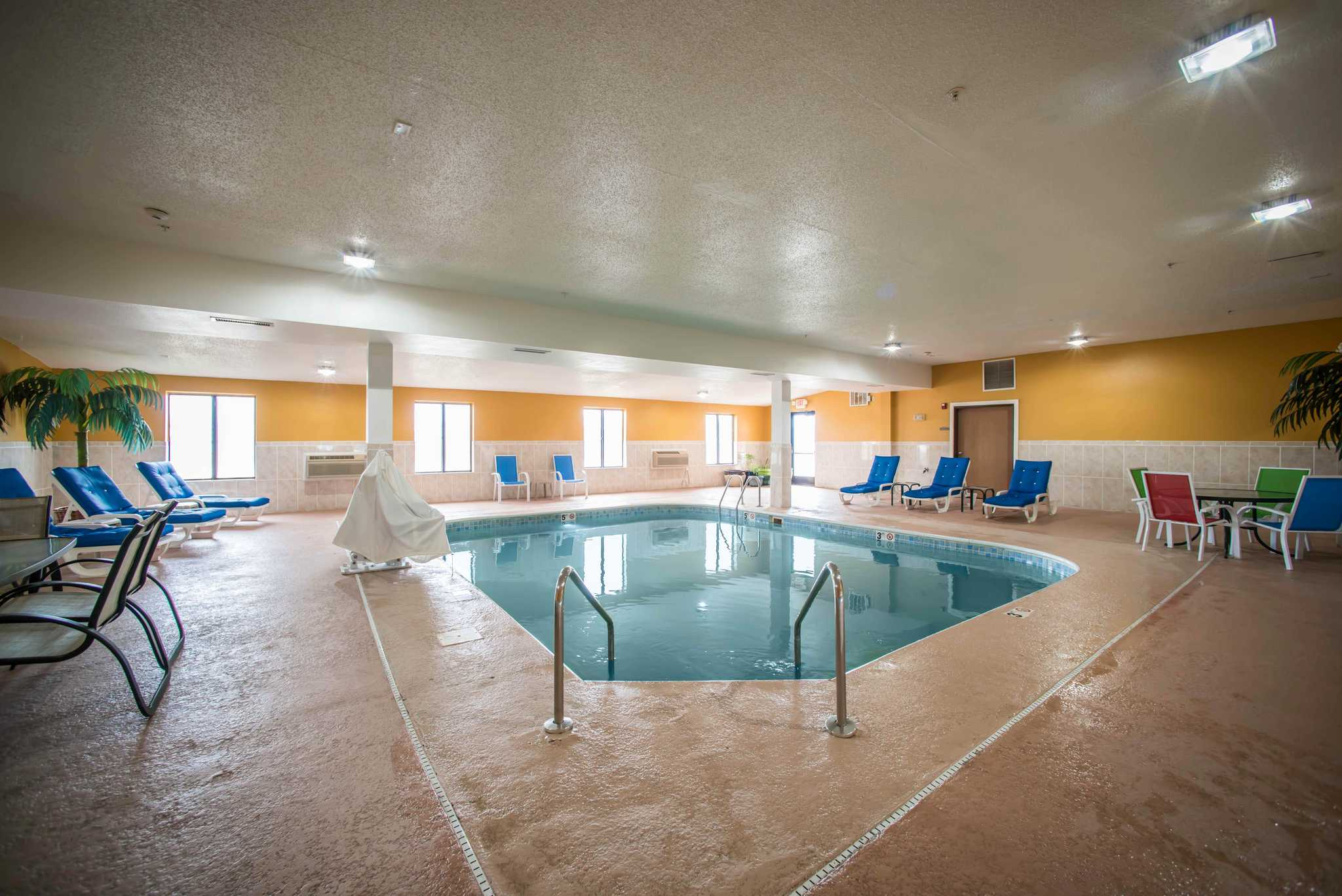 Quality Inn – Hotel in Litchfield, IL Near Litchfield Museum and Route 66 Welcome Center The award-winning Quality Inn ® hotel in Litchfield near the Ariston Cafe and the Litchfield Museum and Route 66 Welcome Center lets you relax and focus on the people and experiences you came for/5().