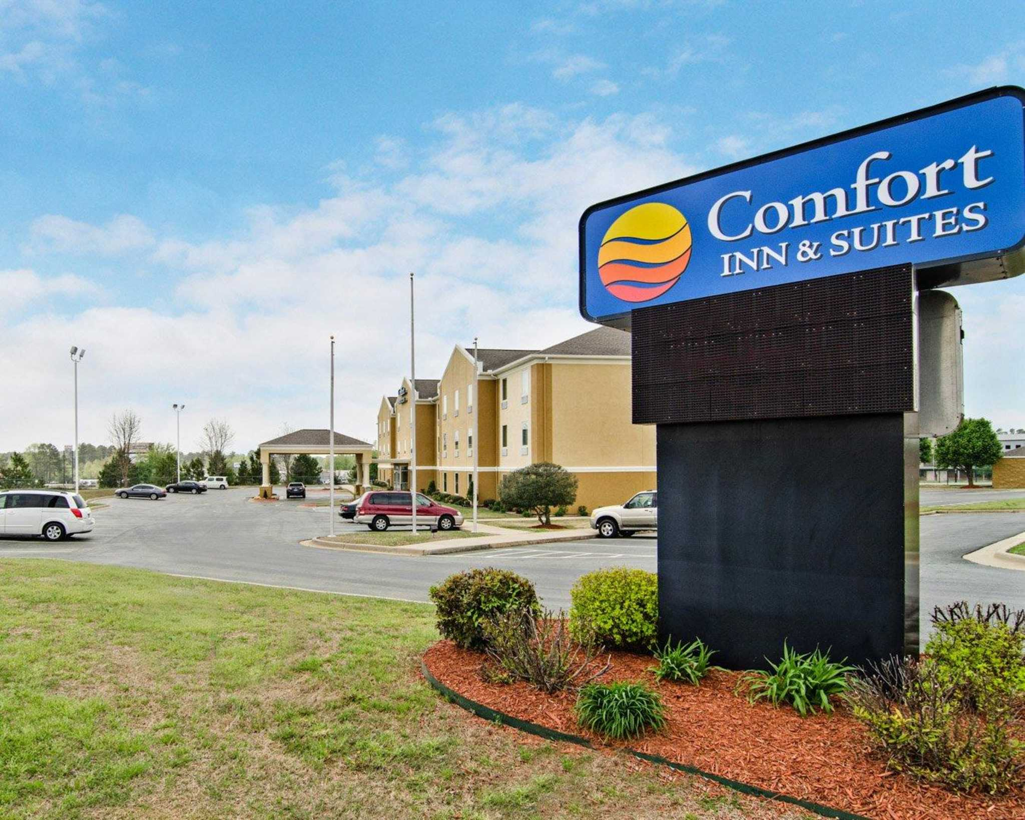 Book at Comfort Inn and stay 3 or more nights and save up to 25% off now at participating Comfort Inn hotels. Offer ends June 1, This coupon expired on 06/01/ CDT.