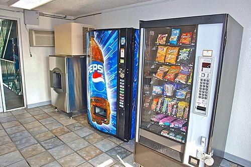 Motel 6 Denver Central - Federal Boulevard image 6