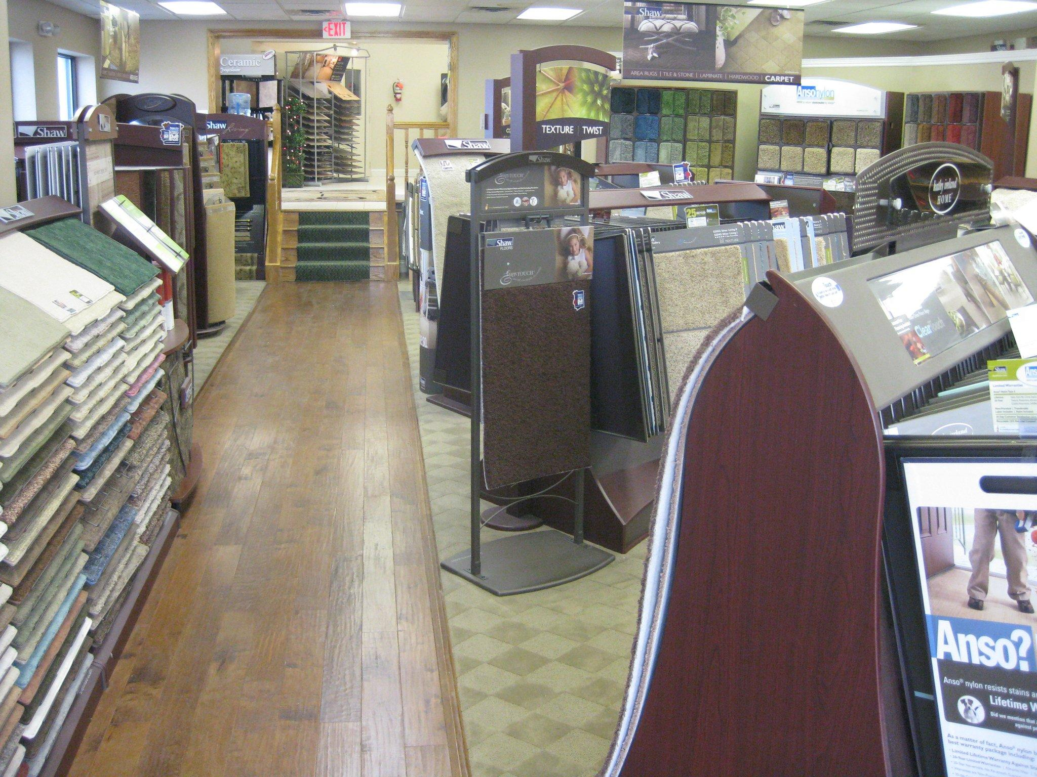 Location carpet flooring coupons near me in wickliffe for Flooring near my location
