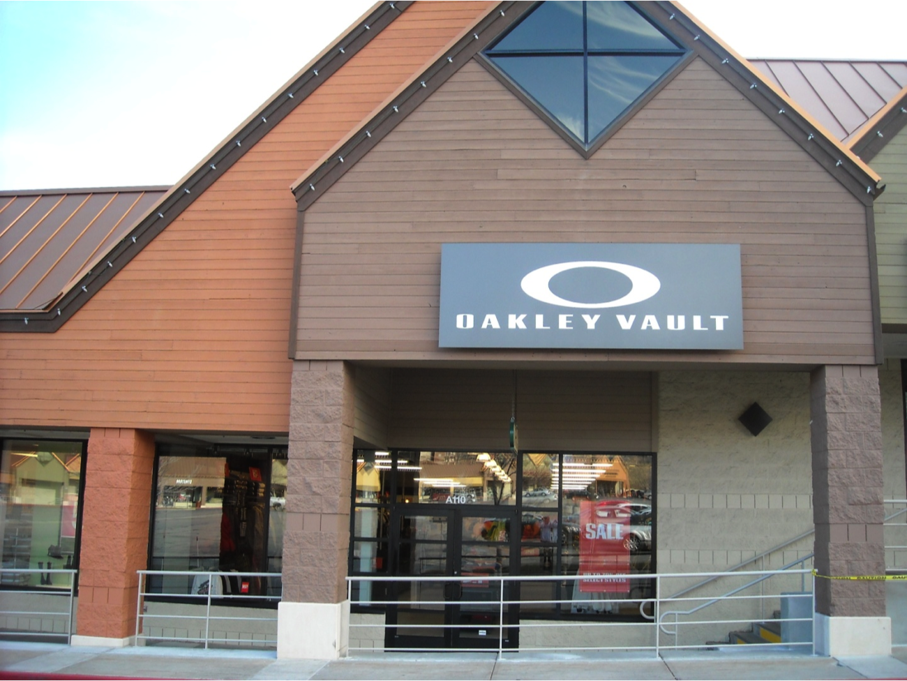 oakley vault coupons near me in park city 8coupons. Black Bedroom Furniture Sets. Home Design Ideas