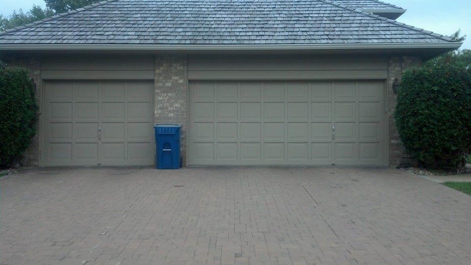 A parkers garage door coupons near me in saint paul 8coupons for Rangements garage saint paul