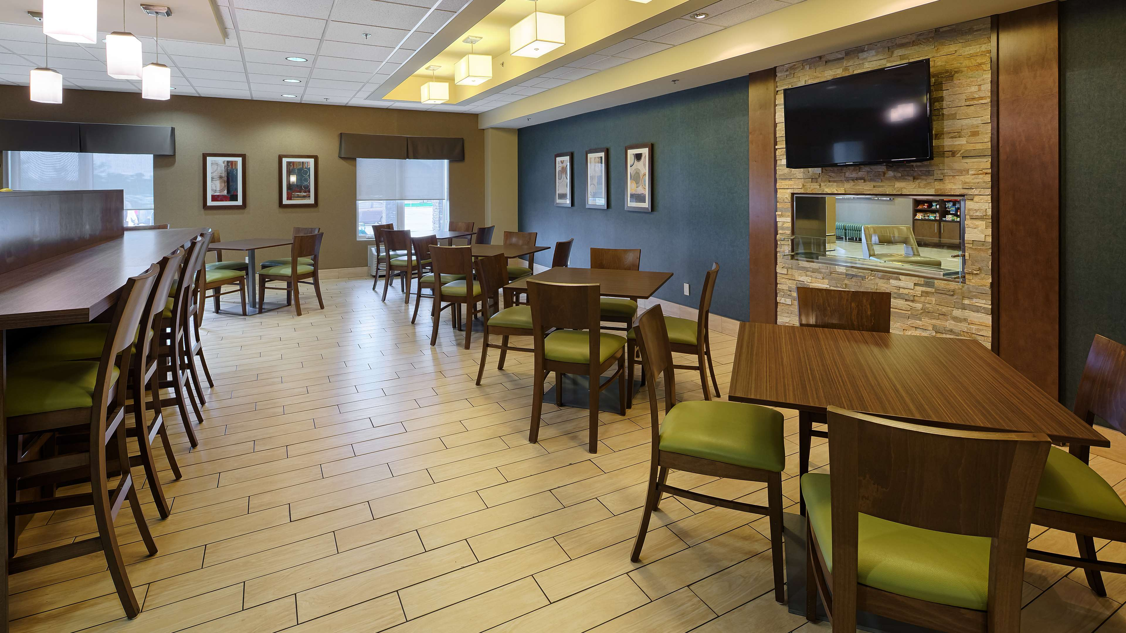 Breakfast Area Best Western Plus Winnipeg West Headingley (204)594-2200
