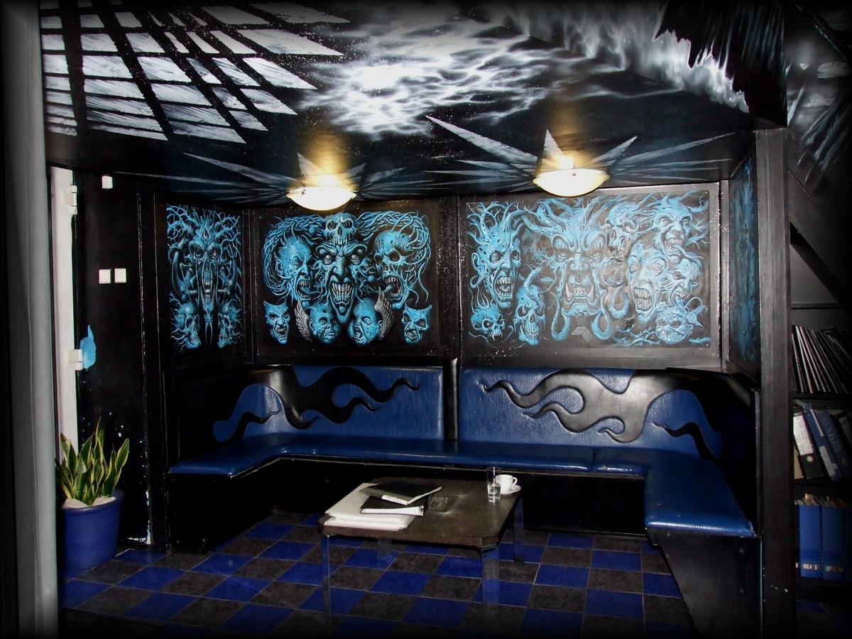 BLOODY BLUE TATTOO - tetovací studio Praha 3