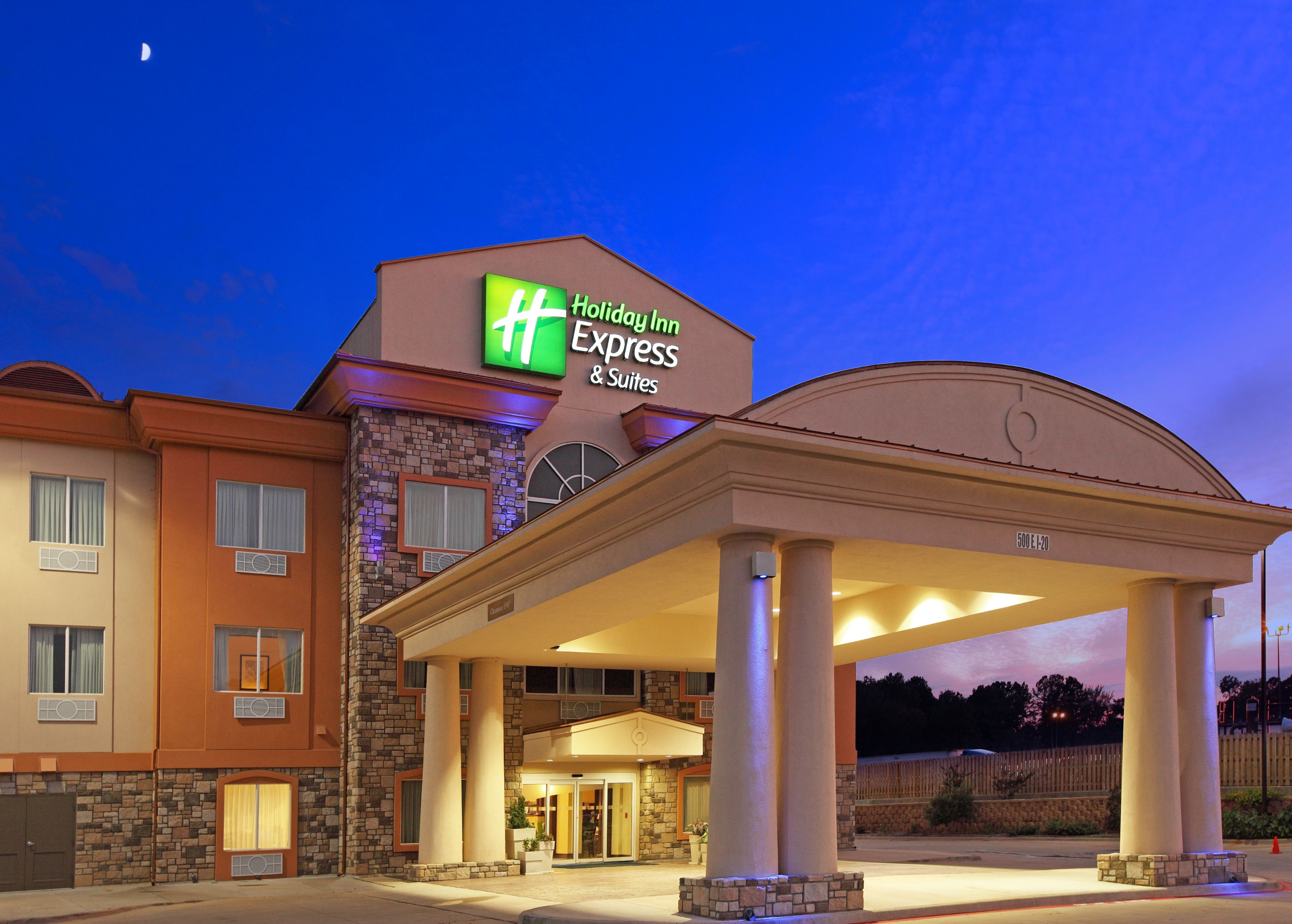 Holiday Inn Marion - Review of Holiday Inn Express Hotel ...