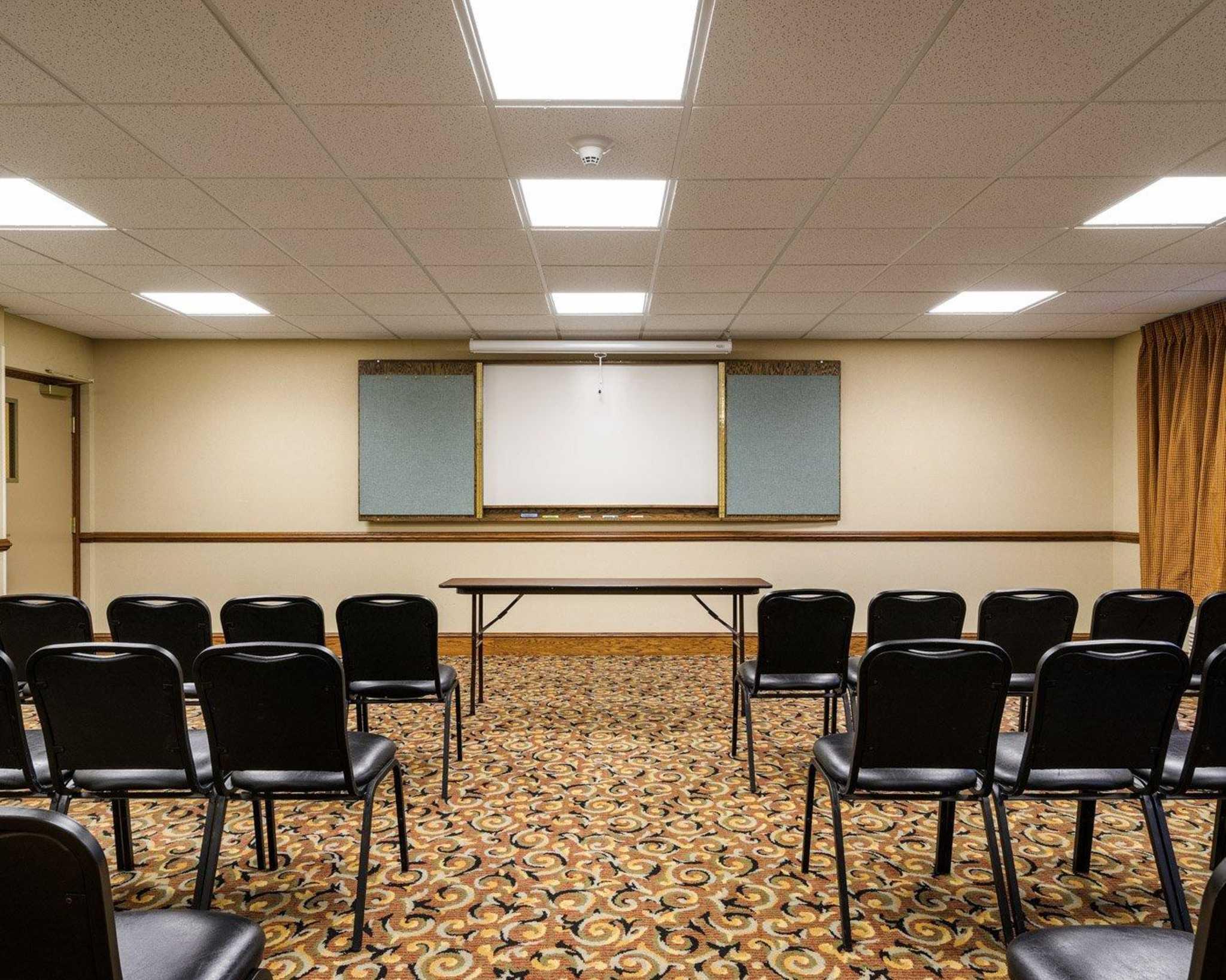 Comfort Inn Amp Suites Dover Delaware Localdatabase Com