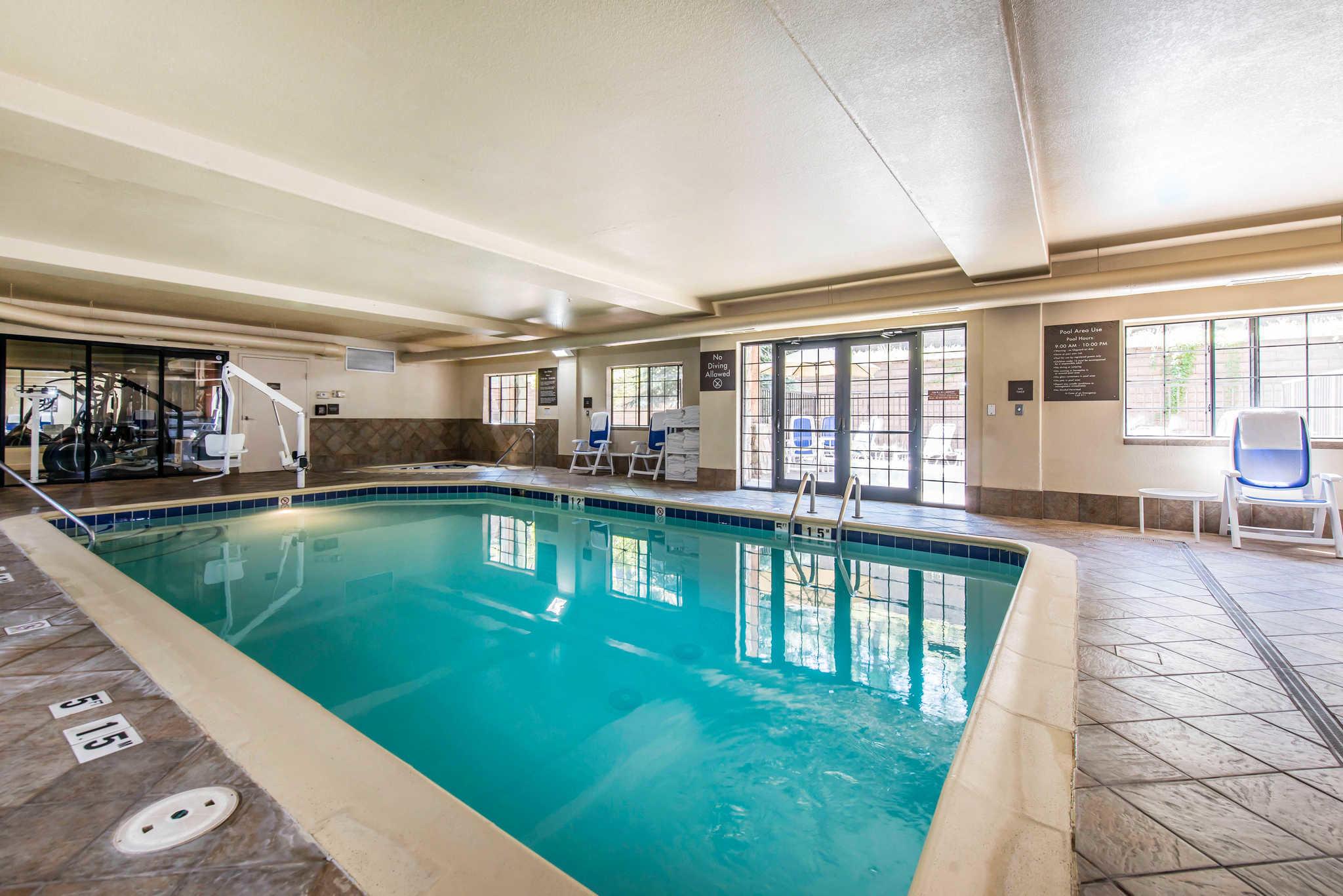 nearest hotel pool aga - HD2048×1367
