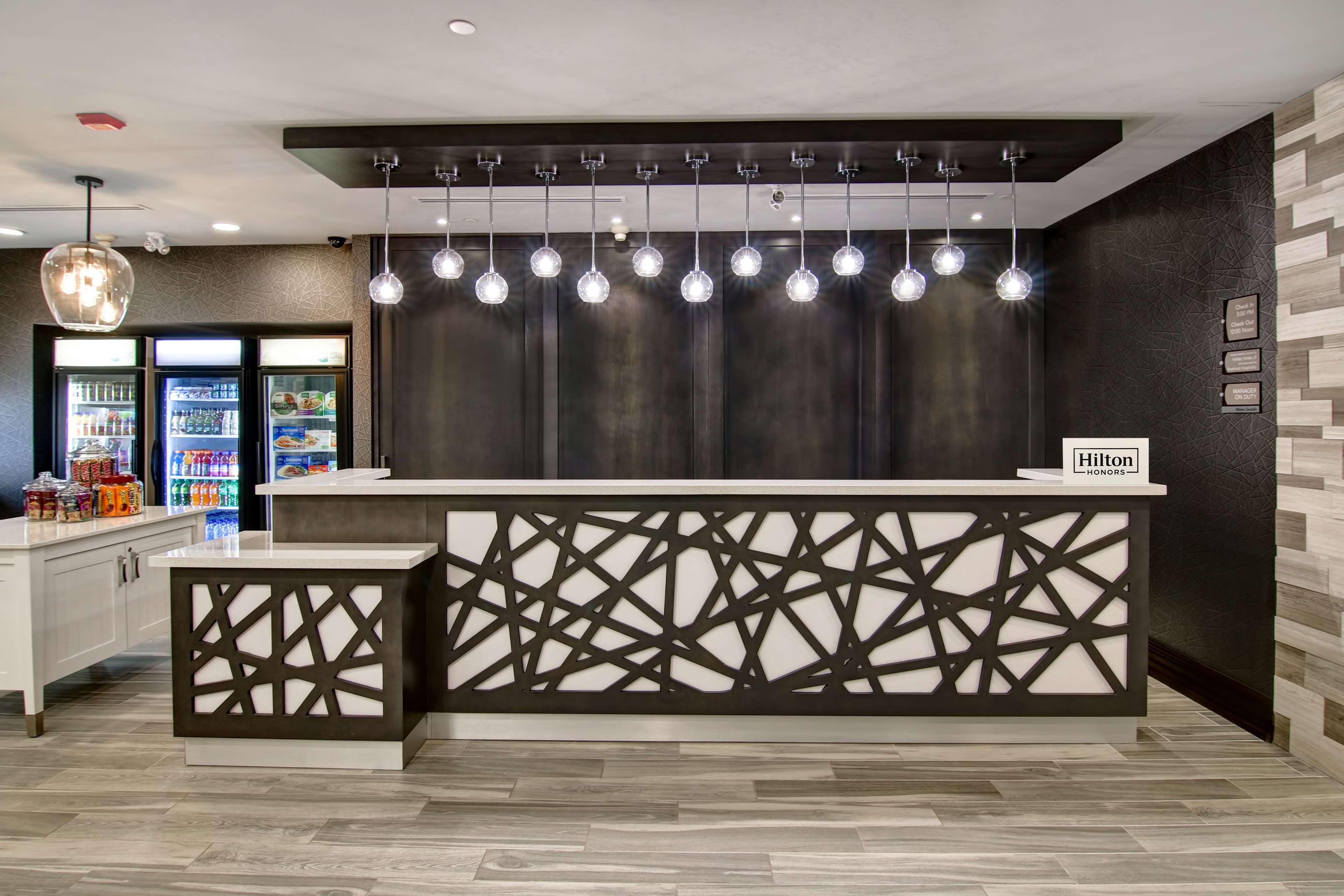 Homewood Suites by Hilton Burlington in Burlington: Reception