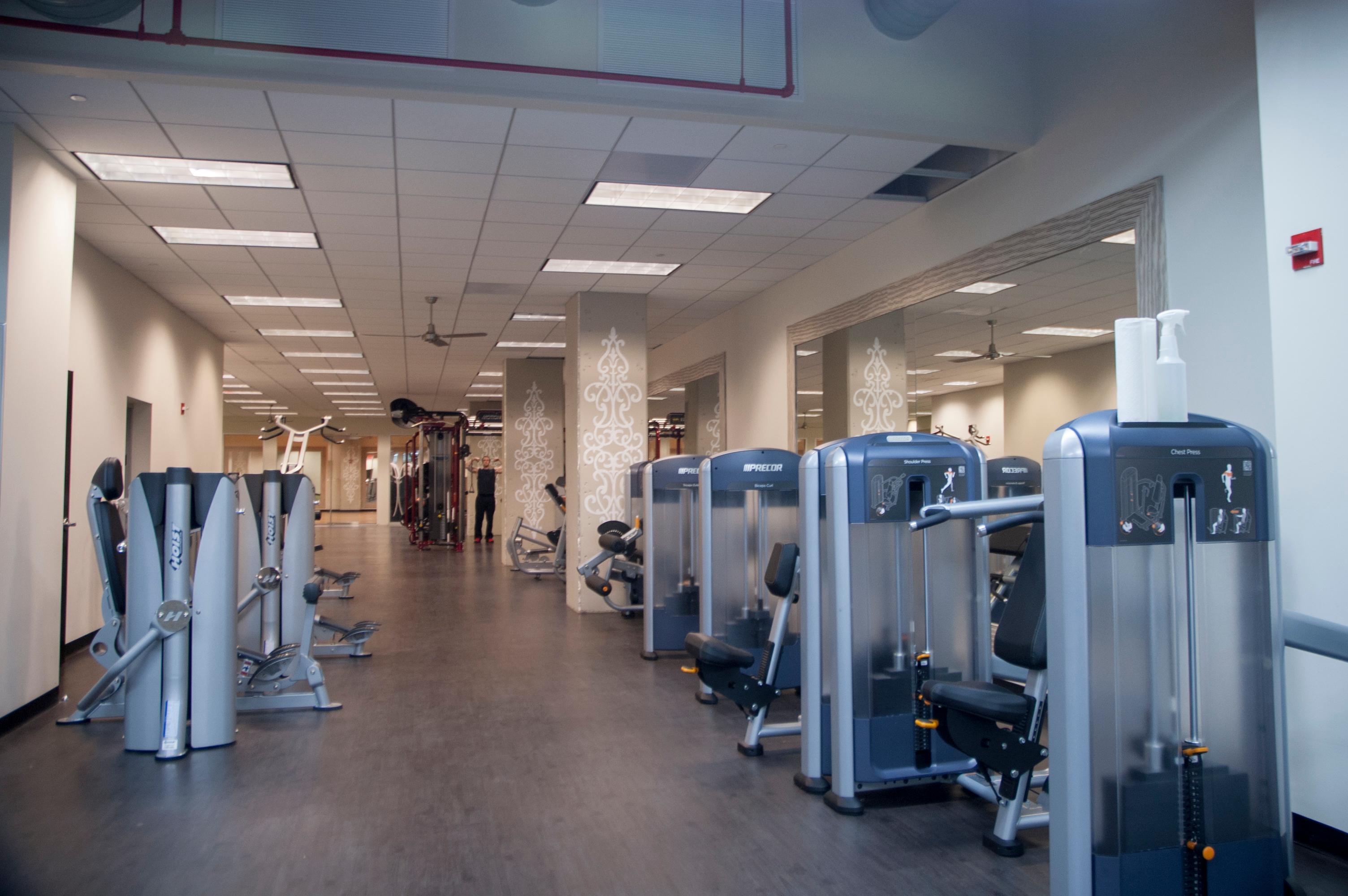 Crunch Fitness - Reston Town Center image 1