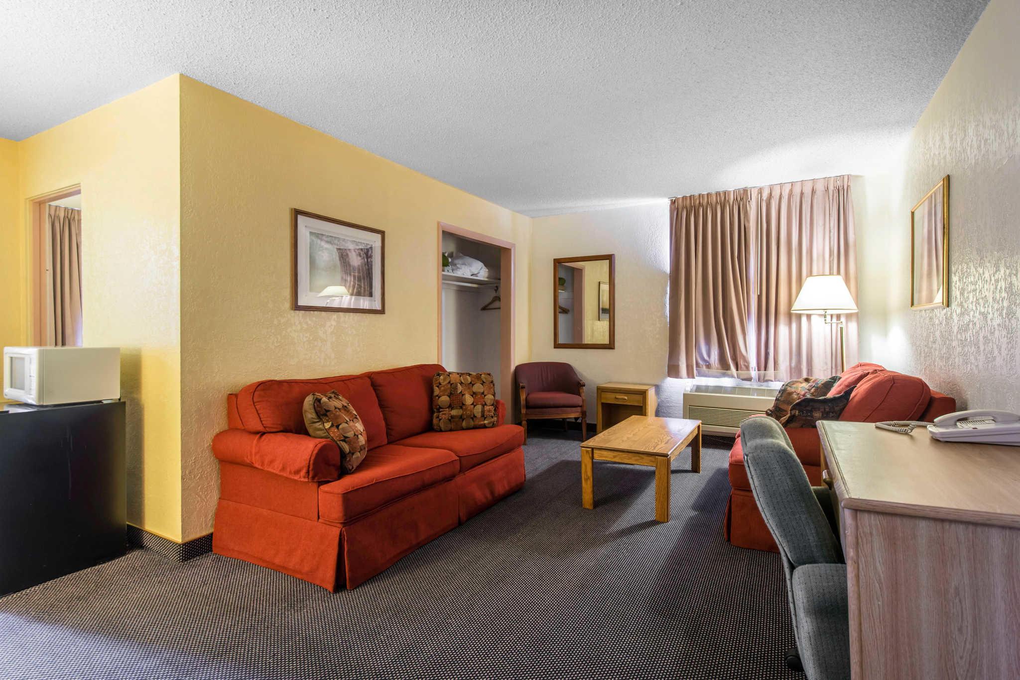 Rodeway Inn Suites Colorado Springs Colorado Co