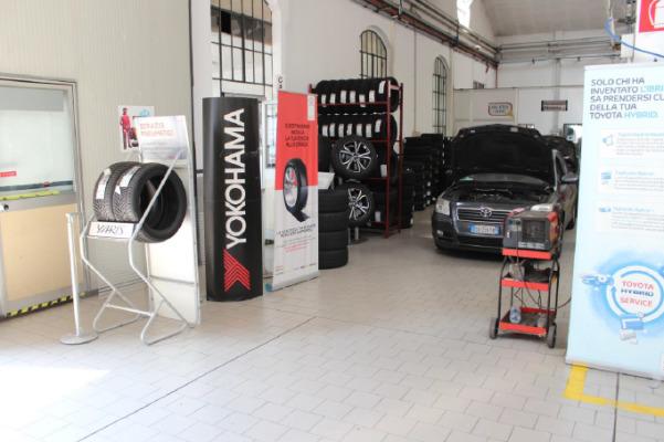 Autosilano Milano Autofficina  Carrozzeria Autorizzata Toyota