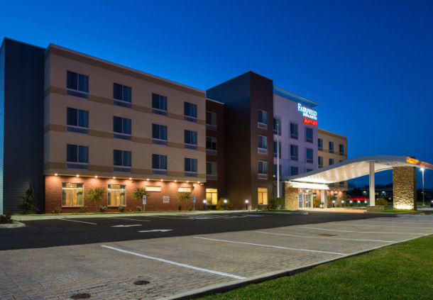 fairfield inn suites by marriott akron stow stow ohio. Black Bedroom Furniture Sets. Home Design Ideas