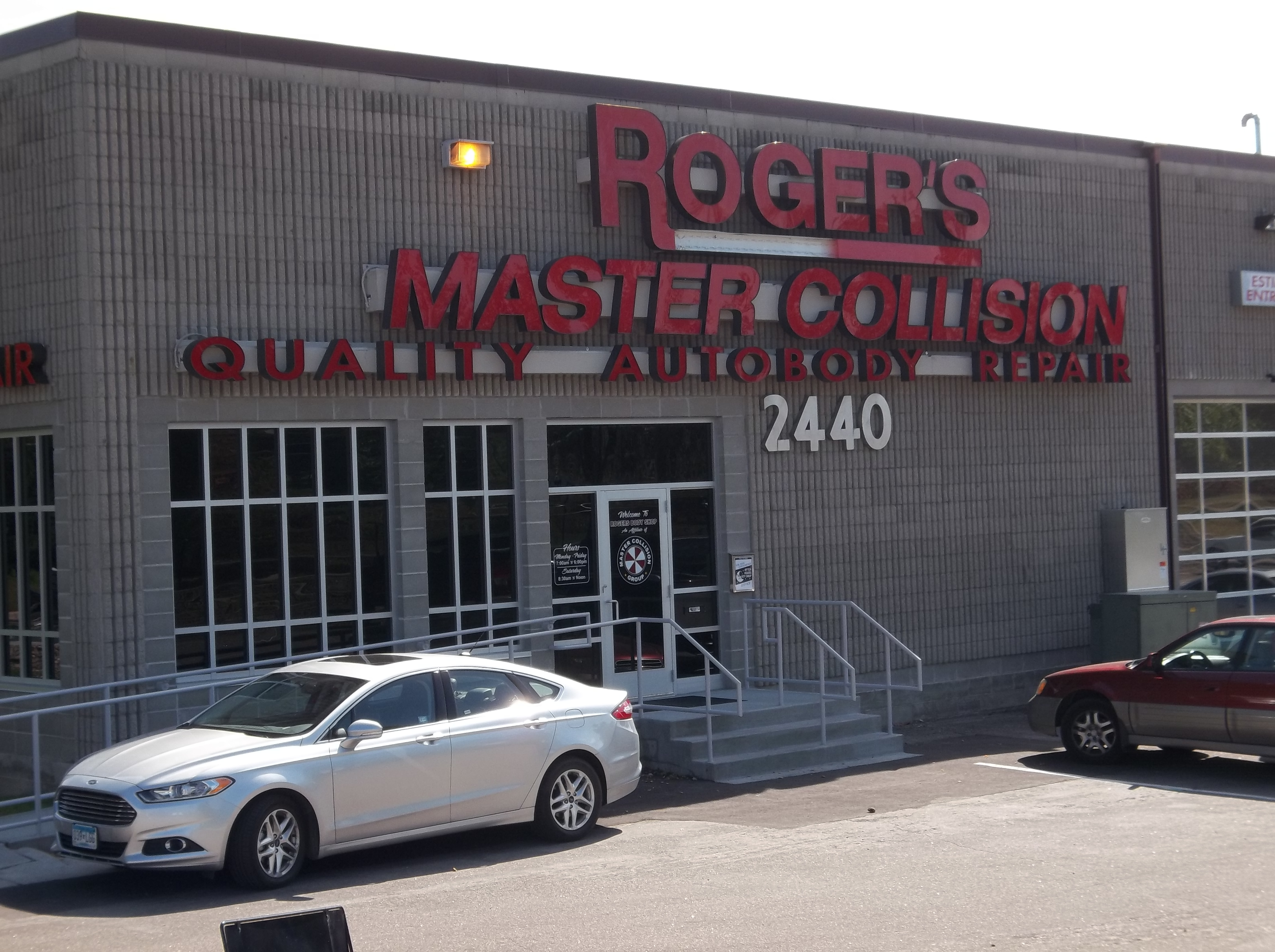 Rogers Body Shop Master Collision image 4