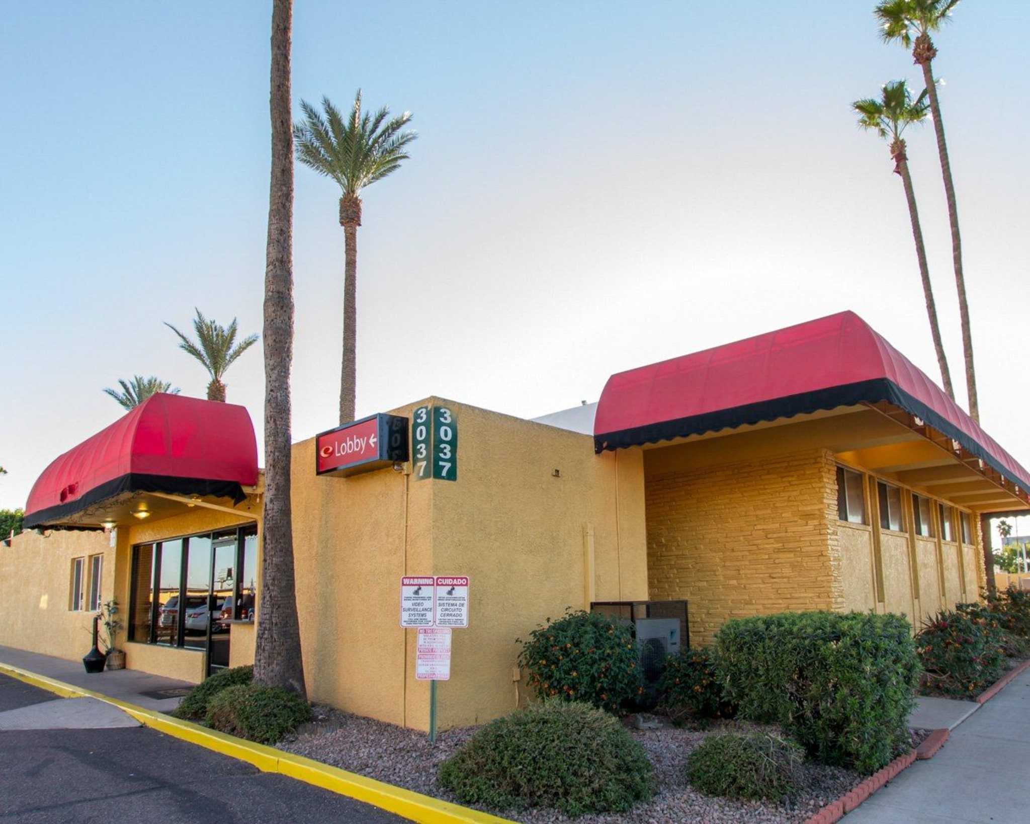 Econo Lodge Airport  Phoenix Arizona
