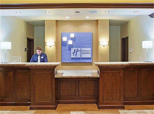 Holiday Inn Express & Suites Atascadero image 2