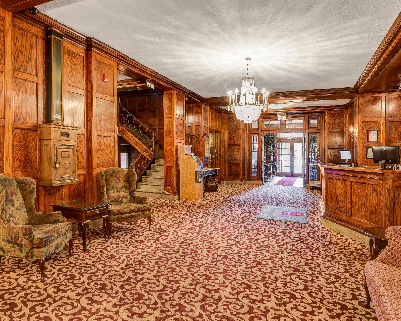 clarion hotel morgan in morgantown wv 26505. Black Bedroom Furniture Sets. Home Design Ideas