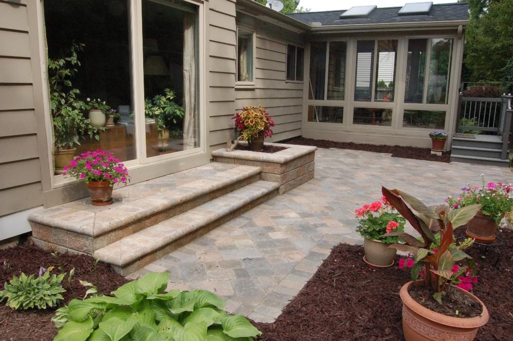 Prestige landscape design llc in haslett mi 48840 for Garden design llc