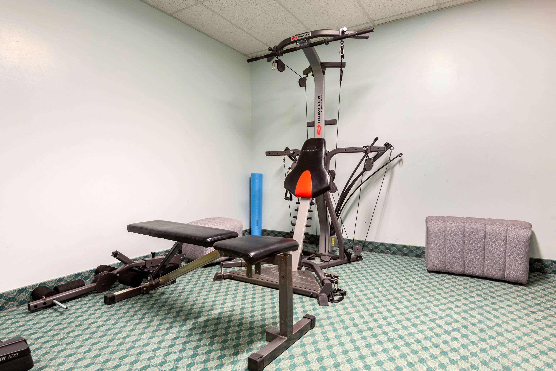 Fitness center Quality Inn Sarnia (519)344-1157
