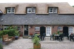 Hoestinkhof, Pension en Engels theehuis