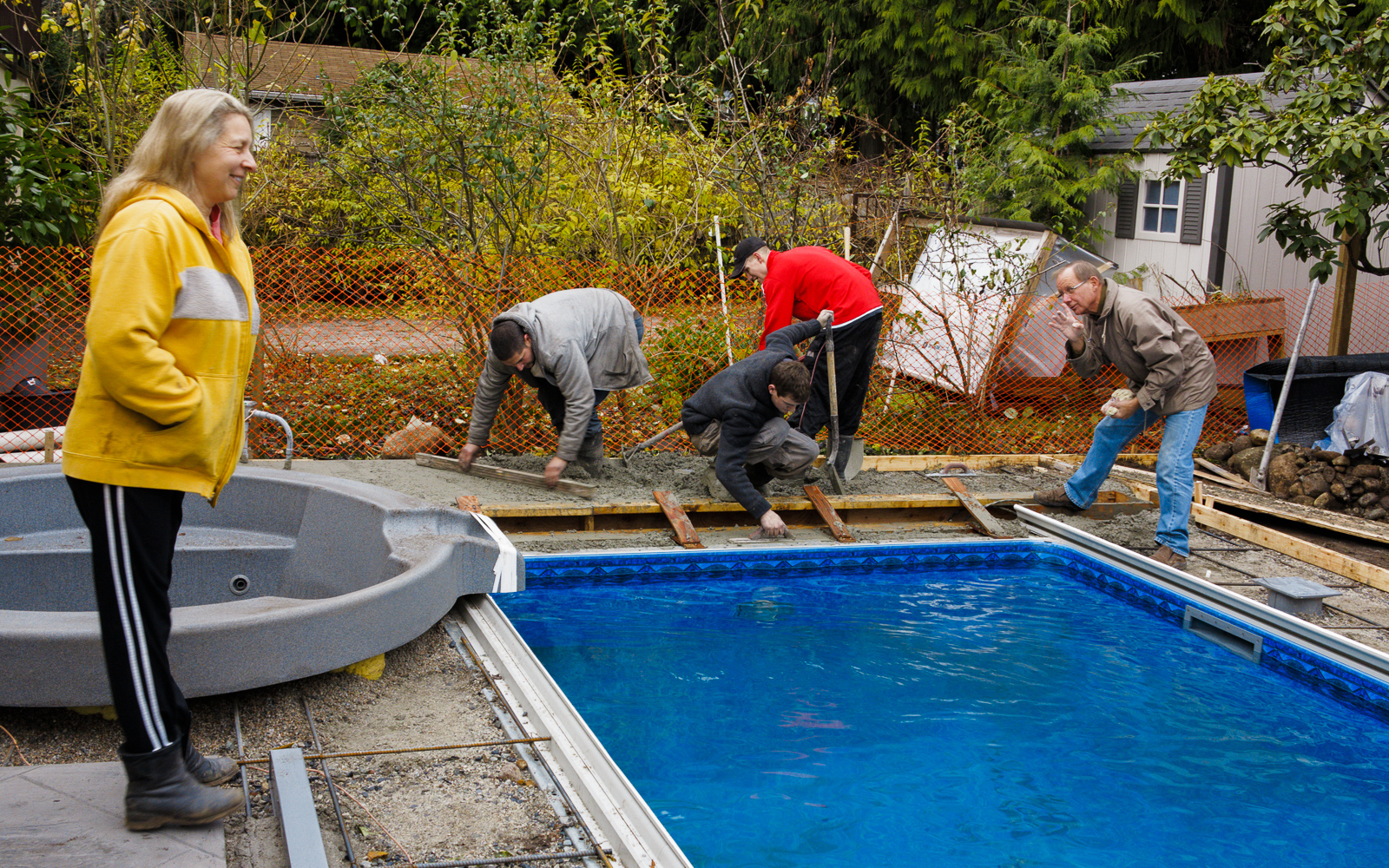 Aquatic Pools Ltd in Surrey: Final part of the installation